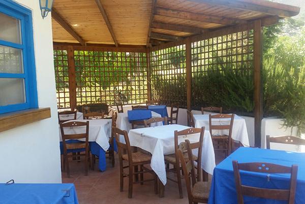 Hotel con piscina in Grecia a Tilos
